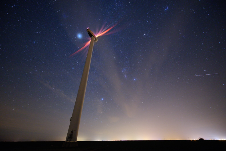 Wind turbine under the stars next to Falaise.jpg